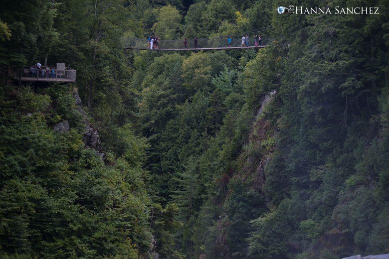 Ponte che attraversa il Canyon de Sainte-Anne